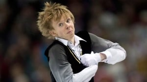 Continuing issues with his skating boots has forced Canada's Kevin Reynolds to withdraw from the Nov. 22-24 Grand Prix event in Moscow.