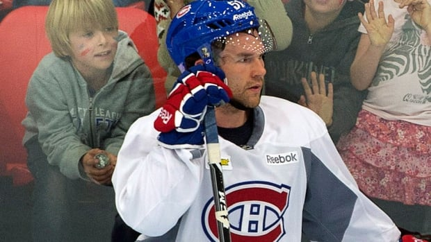 """A slow start to the season by Canadiens centre David Desharnais, pictured here, prompted newly elected Montreal mayor Denis Coderre to tweet: """"Hello? Can we get a one-way ticket to [AHL] Hamilton for David Desharnais please ..."""""""