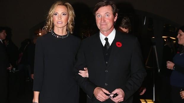 Wayne Gretzky Applauds Hockey Hall Of Famers