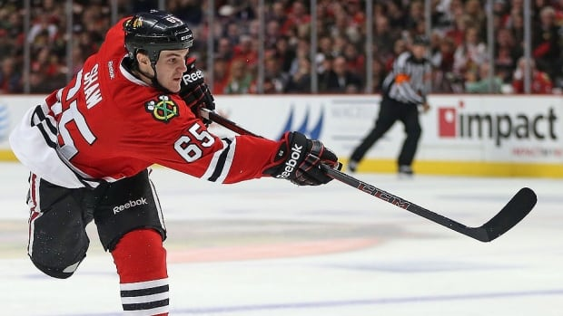 Blackhawks forward Andrew Shaw, currently sixth on the team with 11 points and 51 hits through 18 games, has signed a contract extension through the 2017-18 campaign. He had 15 points in 48 contests last season.