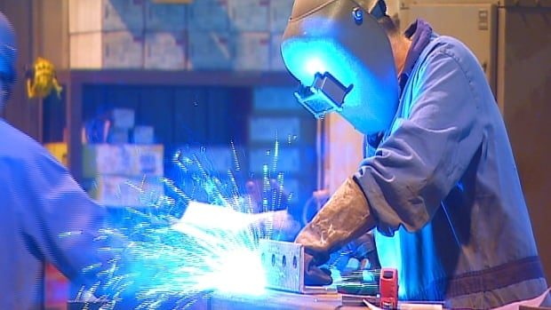 Canada's manufacturing sector expanded in February, official GDP data shows.