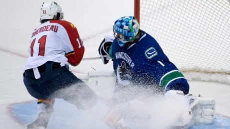 Jonathan Huberdeau helps Panthers edge Canucks in SO