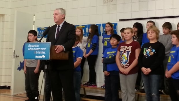 Provincial minister Gord Mackintosh discussed plans to build a new school in his constituency at Belmont School on Wednesday.