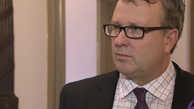 Health minister Doug Currie said the needle exchange program offers counselling and health teaching and prevention.