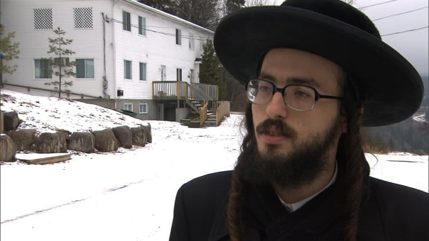 Lev Tahor member Yoil Weingarten says the community suddenly left because members felt trapped by the Quebec government.