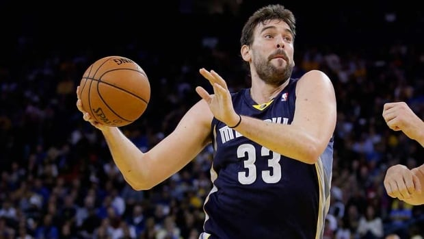 Memphis Grizzlies centre Marc Gasol suffered a knee sprain and will be out of the lineup indefinitely.