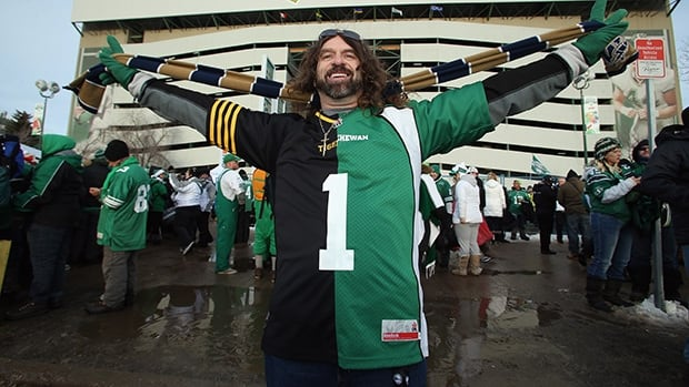 A fan prior to the start of the 101st Grey Cup Championship Game between the Hamilton Tiger-Cats and the Saskatchewan Roughriders on November 24, 2013 in Regina.