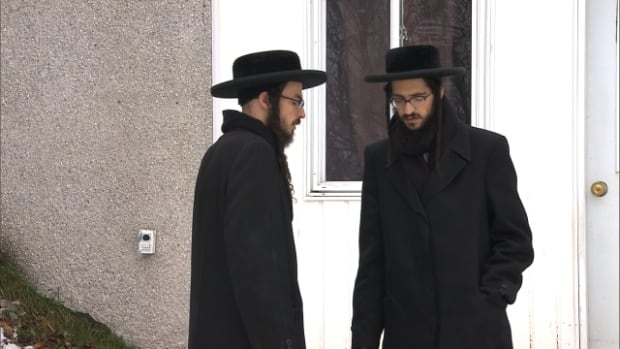 An ultra-orthodox Jewish sect, which totals about 200 people, packed up and moved to Chatham, Ont. amid concerns about their children's health and schooling.