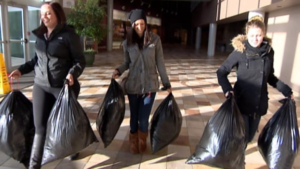 Nursing students in Regina are collecting clothes for the mental health unit at the Regina General Hospital.