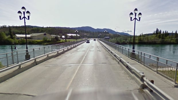 The Robert Campbell bridge across the Yukon River links downtown Whitehorse with the neighbourhood of Riverdale.