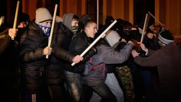 Police clash with protesters in Ukraine