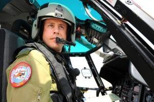 Jeffery-Powell-inside-helicopter