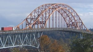 Pattullo Bridge fight heats up between Surrey and New West