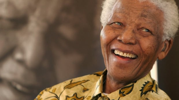 World leaders are paying tribute to former South African president Nelson Mandela who has died at age 95.