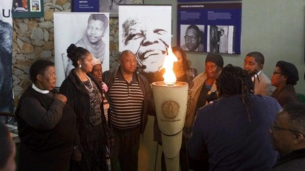 Preparing for Mandela's funeral