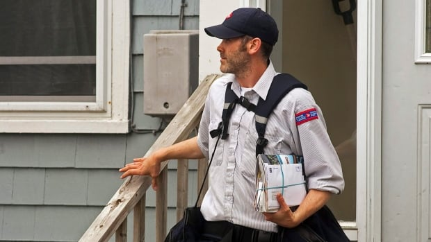 Only a third of Canadians get mail delivered to their doors by a Canada Post letter carrier.  On Wednesday, Canada Post announced that door-top-door delivery will be phased out in urban areas.