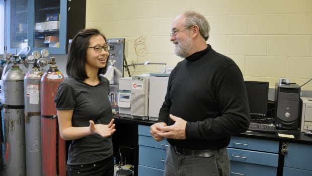 PhD student Angela Hong (left) found the powerful greenhouse gas PFTBA in the air at three locations in Toronto. Her supervisor Scott Mabury (right) began wondering if the chemical might end up in the atmosphere after finding a bucket of it in a University of Toronto chemistry building.
