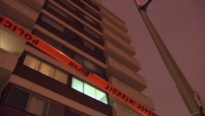 man falls from Cote-des-neiges balcony