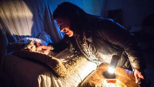 Ontario residents cope with blackouts