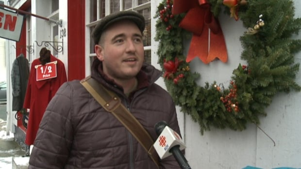 Bostonian Ryan McDermott is thanking Nova Scotians for their hospitality during his holiday here. He was inspired to come to Nova Scotia because each year the province sends a Christmas tree to Boston.