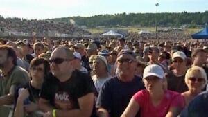 U2 concert Magnetic Hill