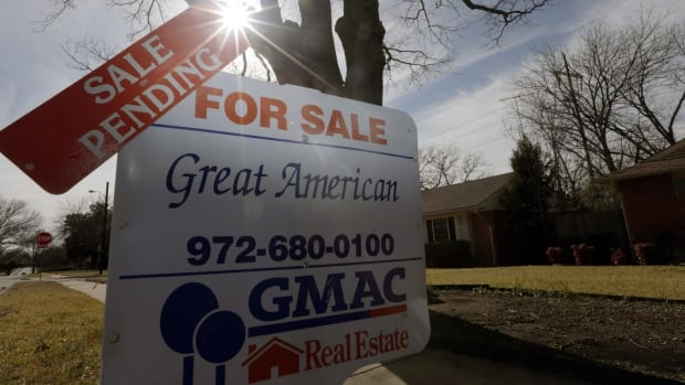 The National Association of Realtors in the U.S. said Monday that pending home sales were up slightly in November, the first increase in six months and a sign the housing sector is stabilizing after being hit by rising mortgage rates.