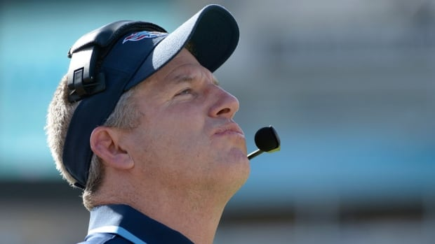 Mike Munchak spent 31 seasons with the Tennessee Titans franchise as both a player and coach.