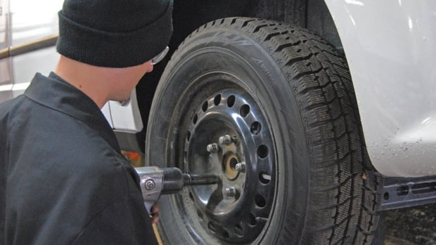 Auto mechanics in Thunder Bay say they're having a very busy winter.