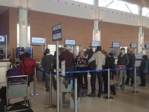 United Airlines lineup in Winnipeg