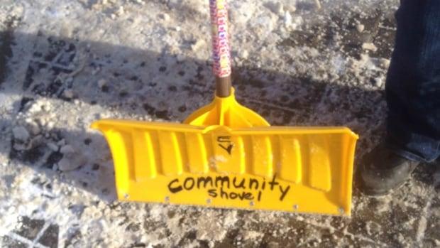 Shovel sticker