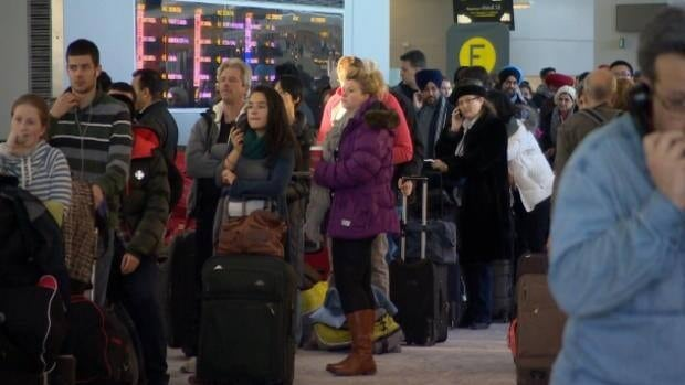 Cold snap paralyzes Toronto airport