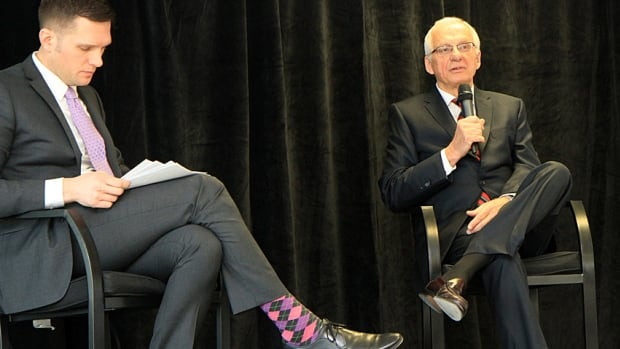 Mayor Bob Bratina, right, fields questions from Keanin Loomis, president of the Hamilton Chamber of Commerce, during his annual state-of-the-city address at the Stelco Tower on Wednesday.