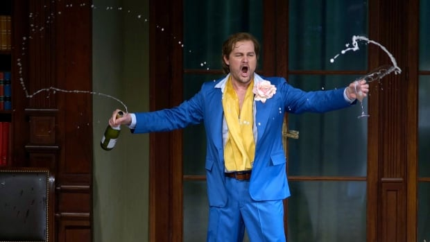 Russell Braun performs in Don Giovanni at Teatro Real Madrid.