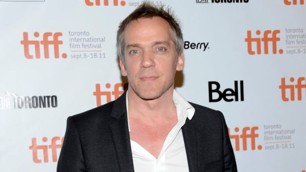 Montreal director Jean-Marc Vallée's film, Dallas Buyers Club, picks up six nominations for the upcoming Academy Awards.