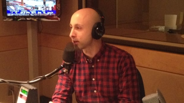 Simple Plan guitarist Jeff Stinco was in the Homerun studio to speak about his new restaurant Rufus Rockhead when Rockhead's grandson Martin texted in.