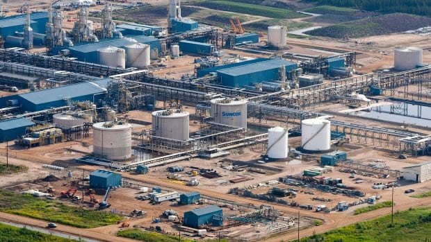 An employee has died at the Suncor Oilsands facility near Fort McMurray, Alta. The worker had gone missing and was found dead a few hours later.