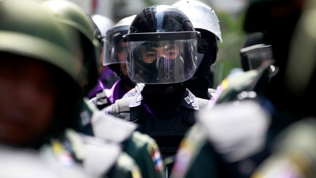 Thailand has declared a state of emergency in Bangkok and its surrounding areas to cope with anti-government protests that have stirred up violent attacks.