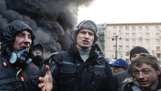 Ukrainian protesters occupy government buildings