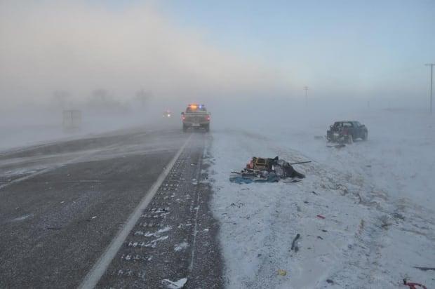 skpic-highway39-3-vehicle-crash