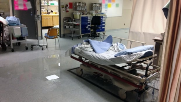 A pipe that burst early Monday morning at Royal University Hospital in Saskatoon has caused flooding.