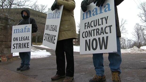 Mount Allison faculty strike