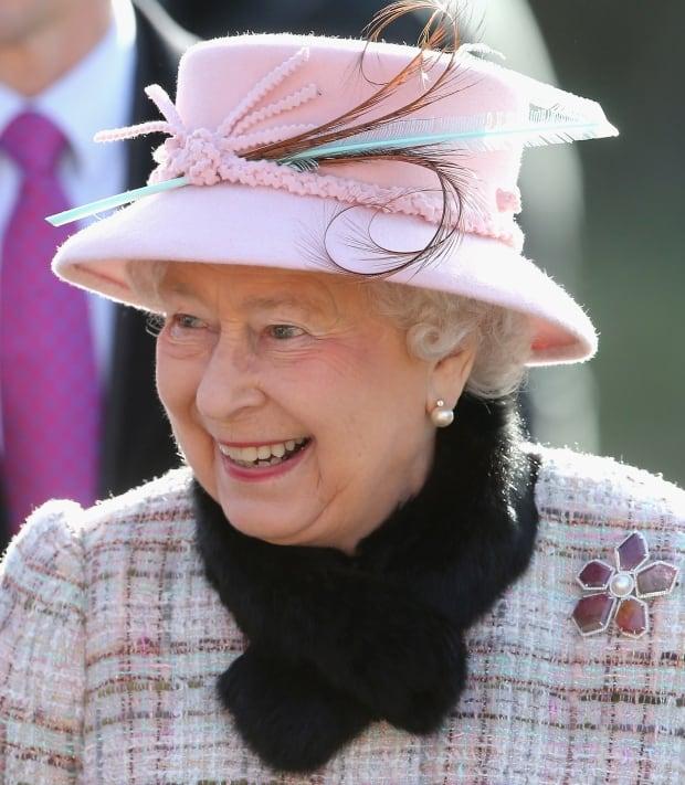 Queen Elizabeth wears Saskatchewan jewellery 78344910 skpic