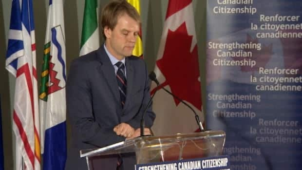 Minister, critics on citizenship changes