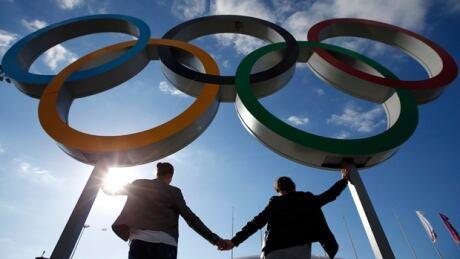 sochi-olympics-rings-140206