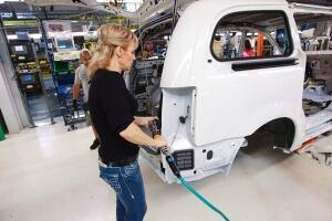 US Autoshow Chrysler Minivans 20140113