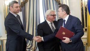 Ukraine handshake