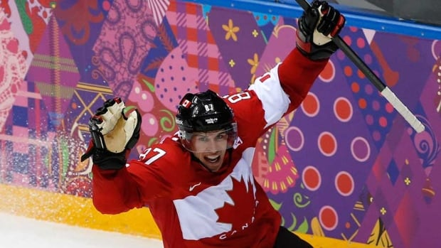 Sidney Crosby scored in the second period of the gold medal game to help lift Canada to a win over Sweden at the Sochi Olympics.