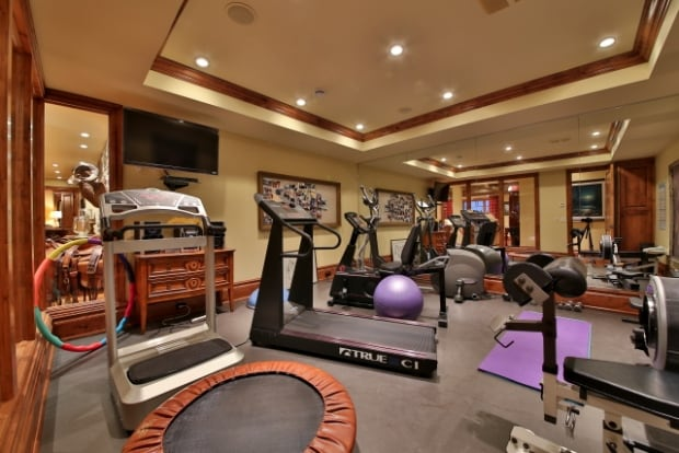 Priddis work out room