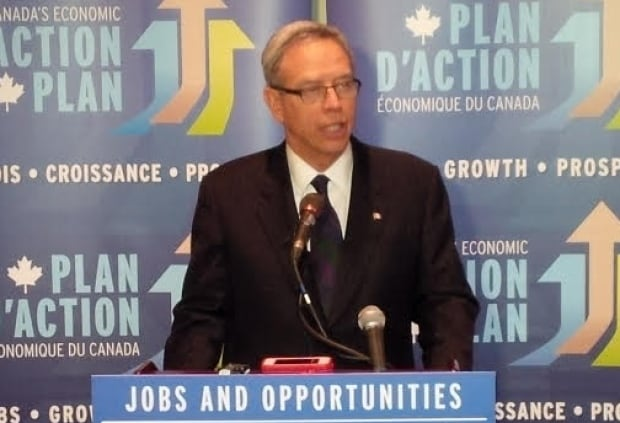 Joe Oliver at PDAC convention