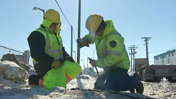 City crews are working seven days a week to thaw pipes at homes and businesses throughout Winnipeg.
